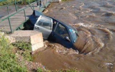 Fuerte temporal de lluvia y viento causó serios daños en Bahía Blanca