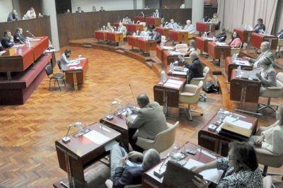 Tras fuerte debate piden informes sobre adjudicaci�n de �reas petroleras