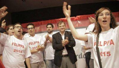 El PRO suma a Felippa y mete presión