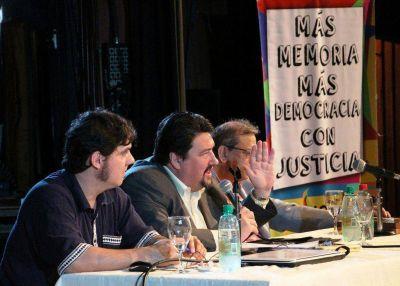 """Closs llamó a los jóvenes a defender la democracia como """"uno de los valores más importantes"""""""