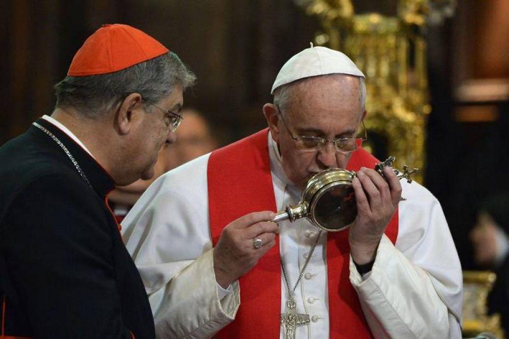 La sangre de San Genaro se «licuó» ante Francisco