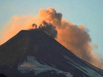 Comenzaron a entregar mascarillas en zonas de riesgo volcánico del Villarrica
