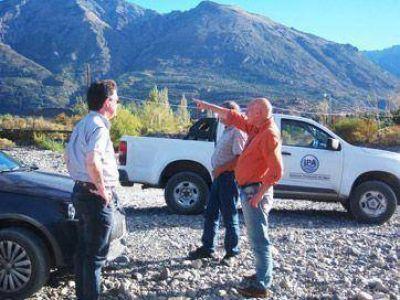 El IPA supervisó obras de rectificación de cauce en el Río Epuyén