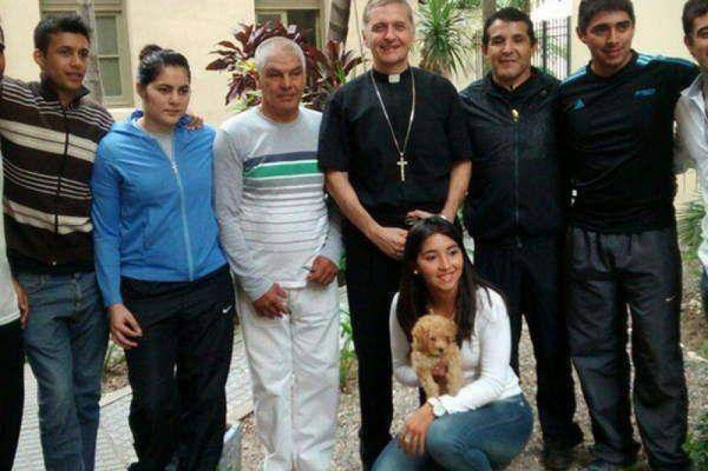 Mons. Torrado Mosconi capacitó al grupo de contención Deldobi