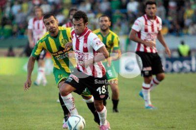 Con un golazo de Malcorra de tiro libre, Unión se trajo un empate sobre el final frente a Aldosivi