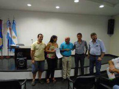 Empresas entrerrianas avanzaron en negociaciones para exportar miel a Ecuador, Guatemala, Alemania y Suiza