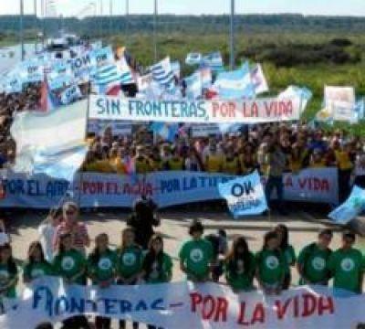 Contra la contaminación: la Asamblea Ambiental de Gualeguaychú prepara su 11° marcha al puente