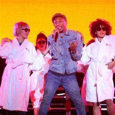 El festival de Lollapalooza cerró con un show de Pharrell Williams quehizo vibrar a unas 70.000 personas