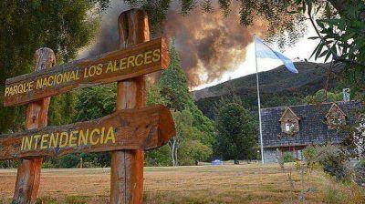 El fuego continúa afectando a dos reservas en la cordilleraLos focos han afectado más de 800 hectáreas.