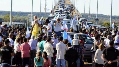 Gualeguaychú: la asamblea ambiental hace su 11ª marcha al puente