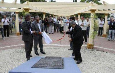 Con emoción y un homenaje al fiscal Strassera, el radicalismo conmemoró el Día de la Memoria