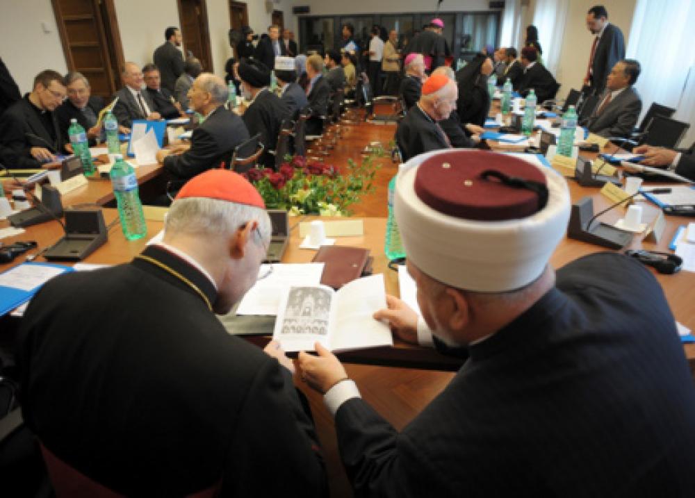 Un cardenal pide más diálogo con el islam para la paz mundial
