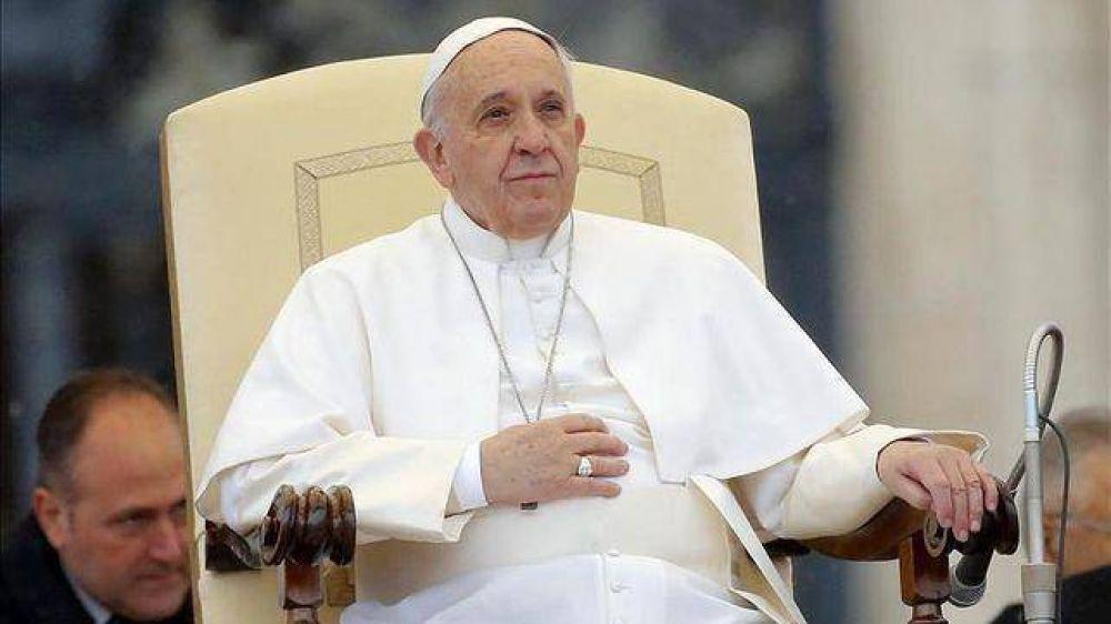 El Papa pide una Iglesia más cercana también con las familias que están