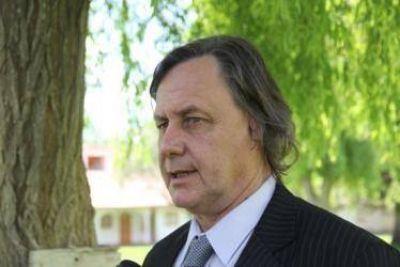 """Johnston tiene confianza que """"no van a proscribir al electorado que quiere votarme; yo creo que gano bien en Catriel"""""""
