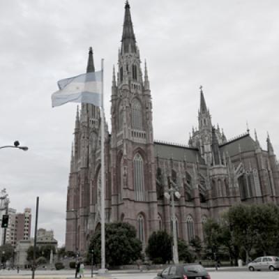 La Plata: piden suspender la presentación de una novela