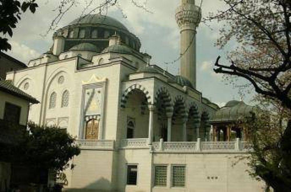Enseñan el islam a los no musulmanes en una mezquita en Tokio