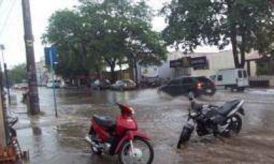 Capital. La persistente lluvia genera graves inconvenientes
