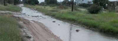 Intensa lluvia en la Capital: Ya se registran evacuados