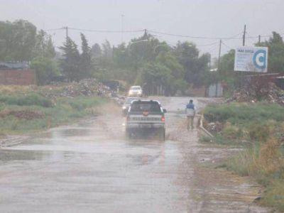Más de 400 familias debieron ser asistidas por las intensas lluvias en Mendoza