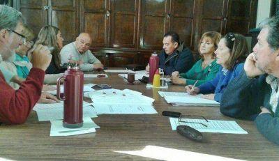 Se reunió la Comisión de Salud y desestimó intervenir en conflicto