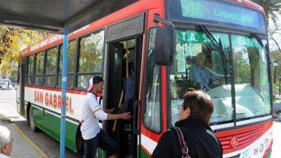 En Bahía, el transporte público y los bancarios se adhieren al paro del próximo martes 31
