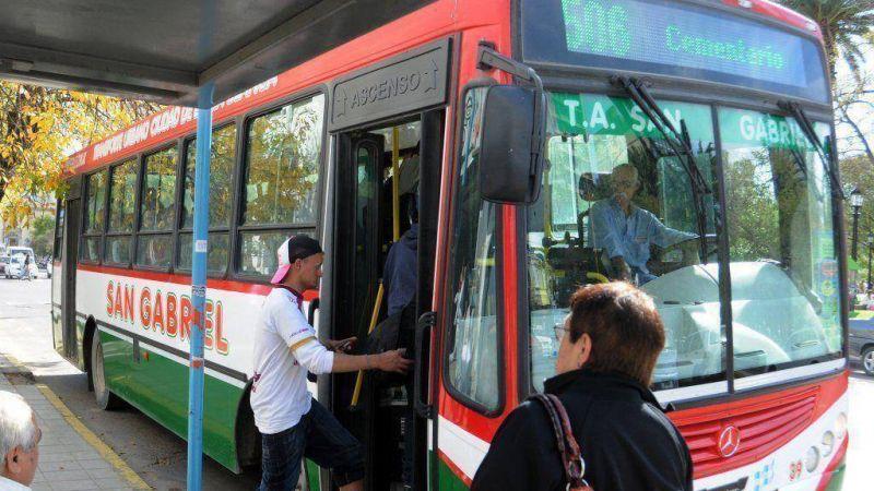 En Bah�a, el transporte p�blico y los bancarios se adhieren al paro del pr�ximo martes 31