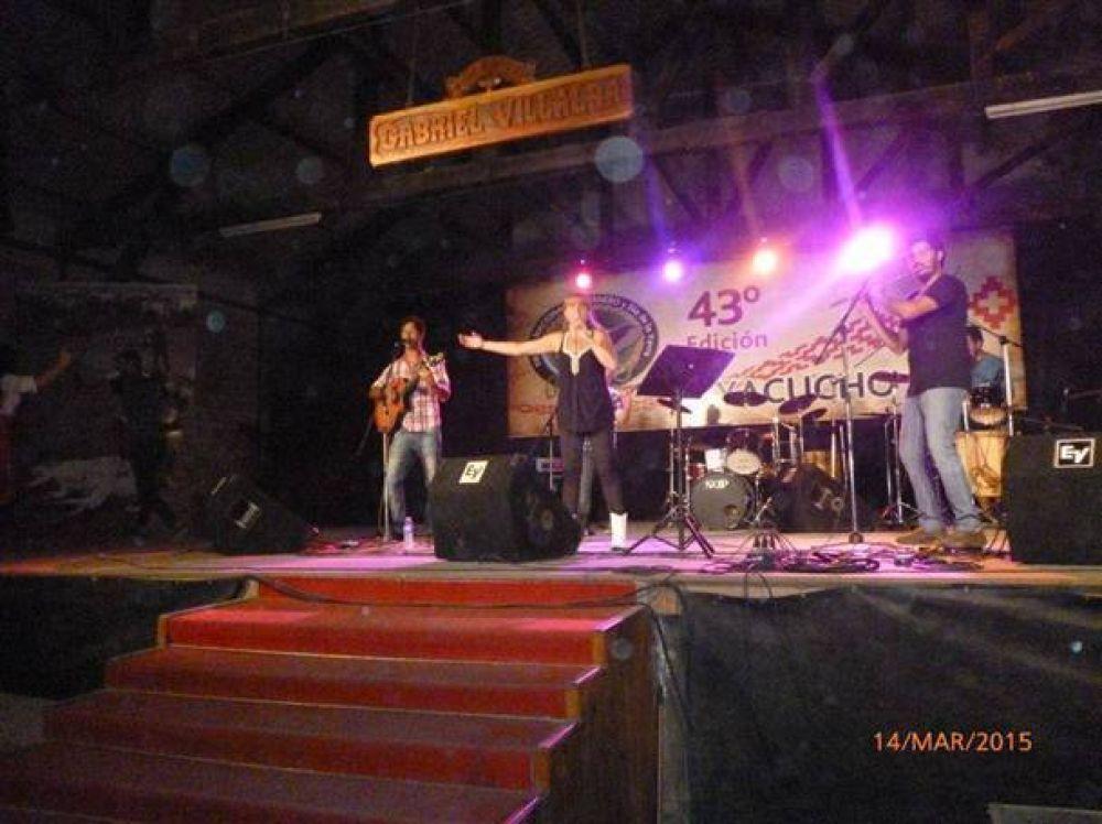Sandra Santos y la Trova participó del Festival Nacional del Ternero