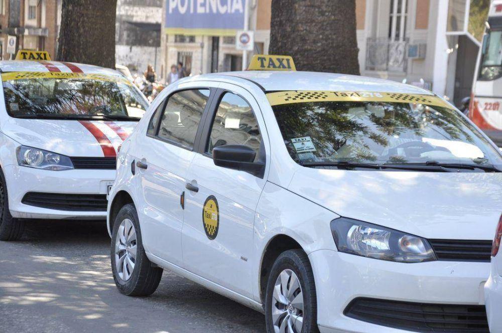 Aconsejan a taxistas de Paraná no salir el día del paro del transporte