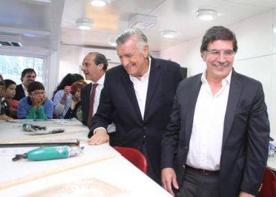 Sileoni trajo $12,9 millones para equipamiento escolar