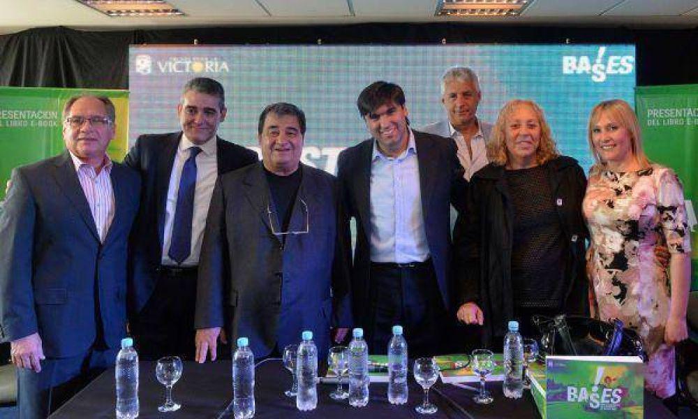 Junto a intendentes Bossio presentó su libro en Tres de Febrero