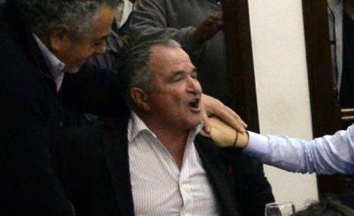 El ex árbitro Biscay intentó agredir a una concejal de San Fernando