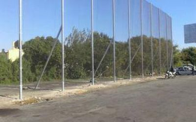 Autopista Buenos Aires-La Plata: Colocan malla antivandálica en Dock Sud