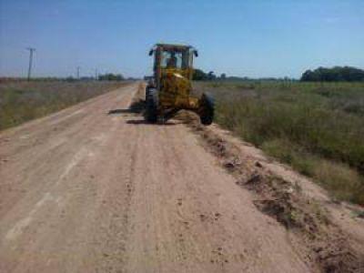El municipio avanza con obras en distintos caminos rurales del partido