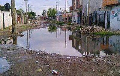 """Vivimos inundados"", advierten vecinos"