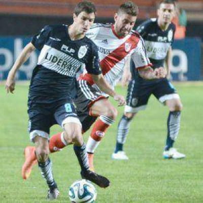 Gimnasia recibe a River en Bosque