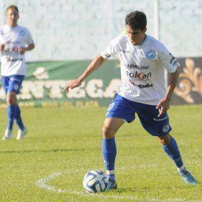 Villa San Carlos sigue en caída libre: perdió en Berisso y aún no ganó en lo que va del torneo