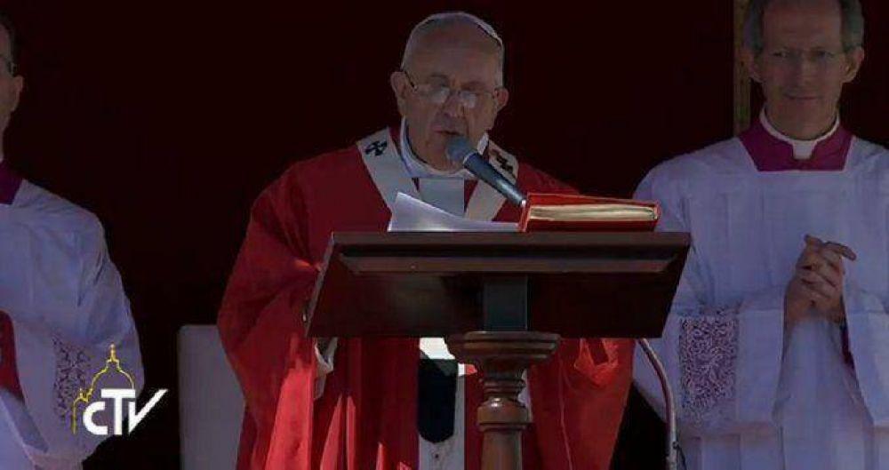 Francisco encabezó la misa de Domingo de Ramos y pidió