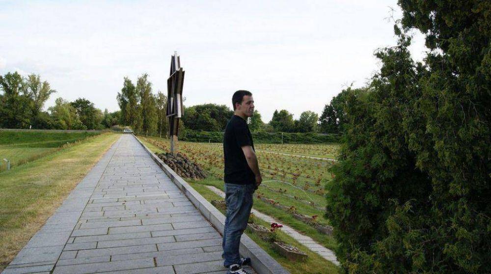 Antisemitismo. Un hombre orinó e hizo el saludo nazi en un memorial del Holocausto en República Checa