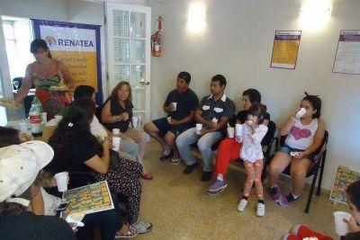 Entregaron kits escolares a hijos de trabajadores agrarios desempleados