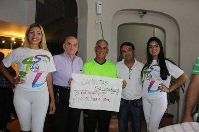 El ministro de Salud, Luis Martínez, también dijo presente en la Caminata Aniversario