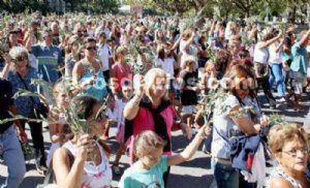 Con capillas y parroquias colmadas se puso en marcha la Semana Santa