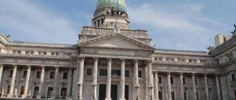 """Un """"reutemista"""" propuso mudar el Congreso a Rosario"""