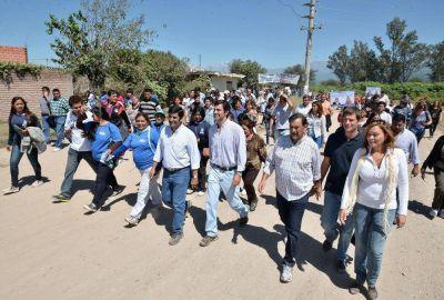 Vecinos de San Lorenzo y de la Zona Oeste de la Capital manifestaron su apoyo a fórmula Urtubey – Isa