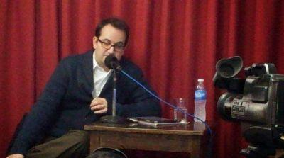 El Senado recibe en audiencia pública a Roberto Carlés