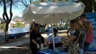 La Florería Mar del Plata realizó jornada de DNI y tarjeta SUBE
