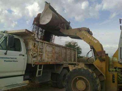 Se avanza con obras en caminos rurales del Partido