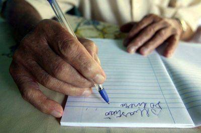 """""""Yo, sí puedo"""": ya son 95 los vecinos inscriptos para aprender a leer y escribir"""