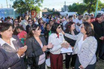 La Gobernadora lanzó un programa en Las Mil