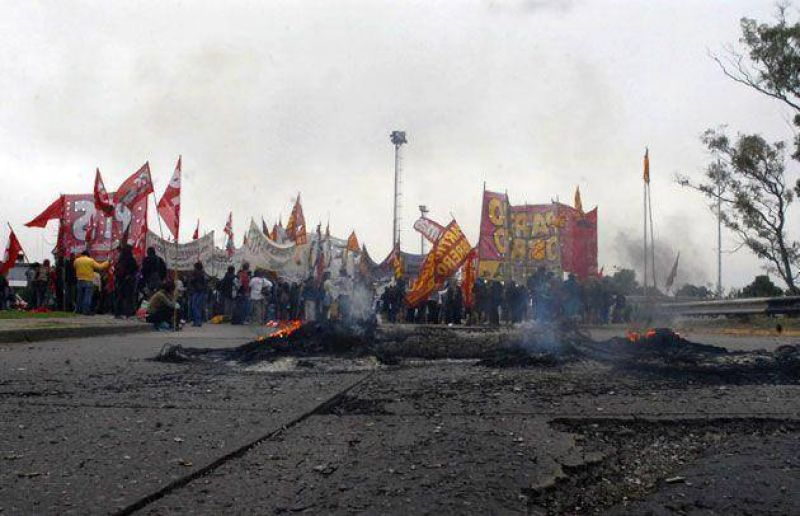 Los piquetes de la izquierda garantizaron el �xito de la protesta