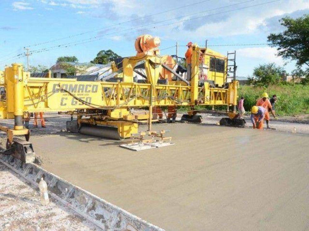 Obras viales en pleno desarrollo en toda la provincia.